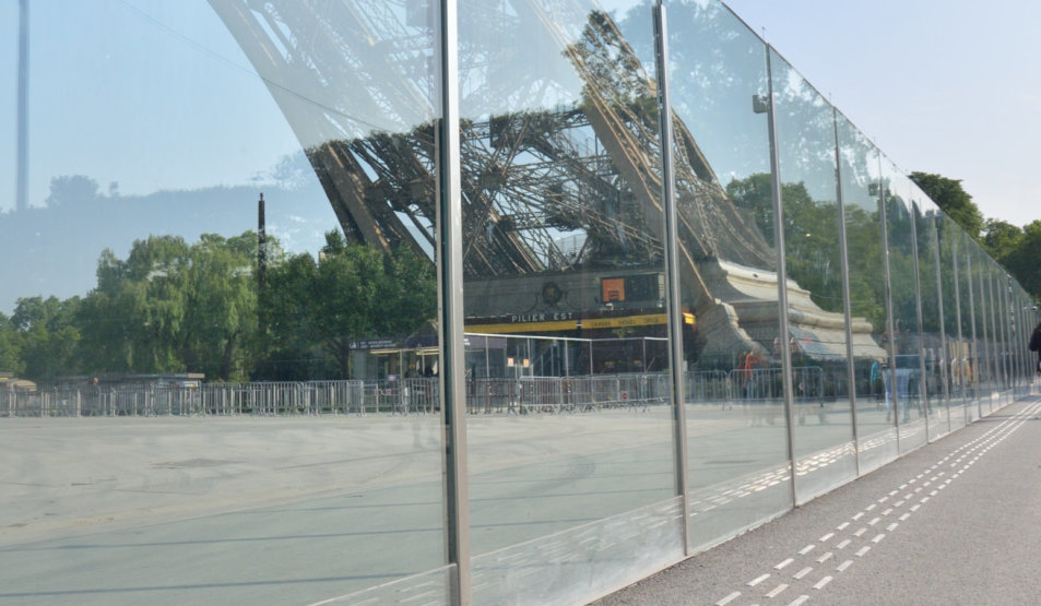 Protech Securit - Bulletproof Glass Wall with recessed plinths @ Eiffel Tower